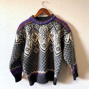 Dale of Norway Thick cozy pattern vintage sweater